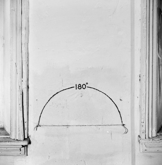 Mel Bochner, Measurement: 180 Degrees (twine, nails, and charcoal on wall, size determined by installation), 1968. Courtesy Mel Bochner
