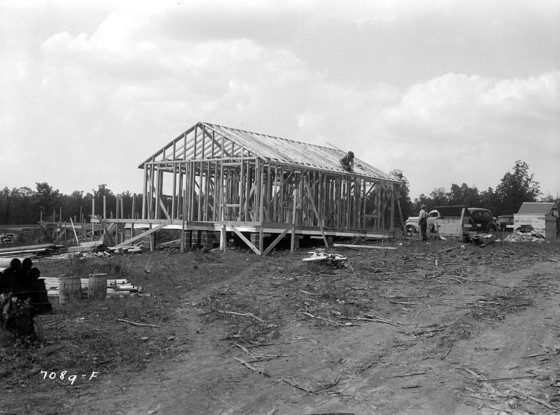 Defense houses under construction, Wheeler Dam Village, Lawrence, Alabama, 1941.